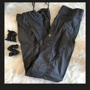 Lululemon Grey Striped Sz 6 Jogging Pants